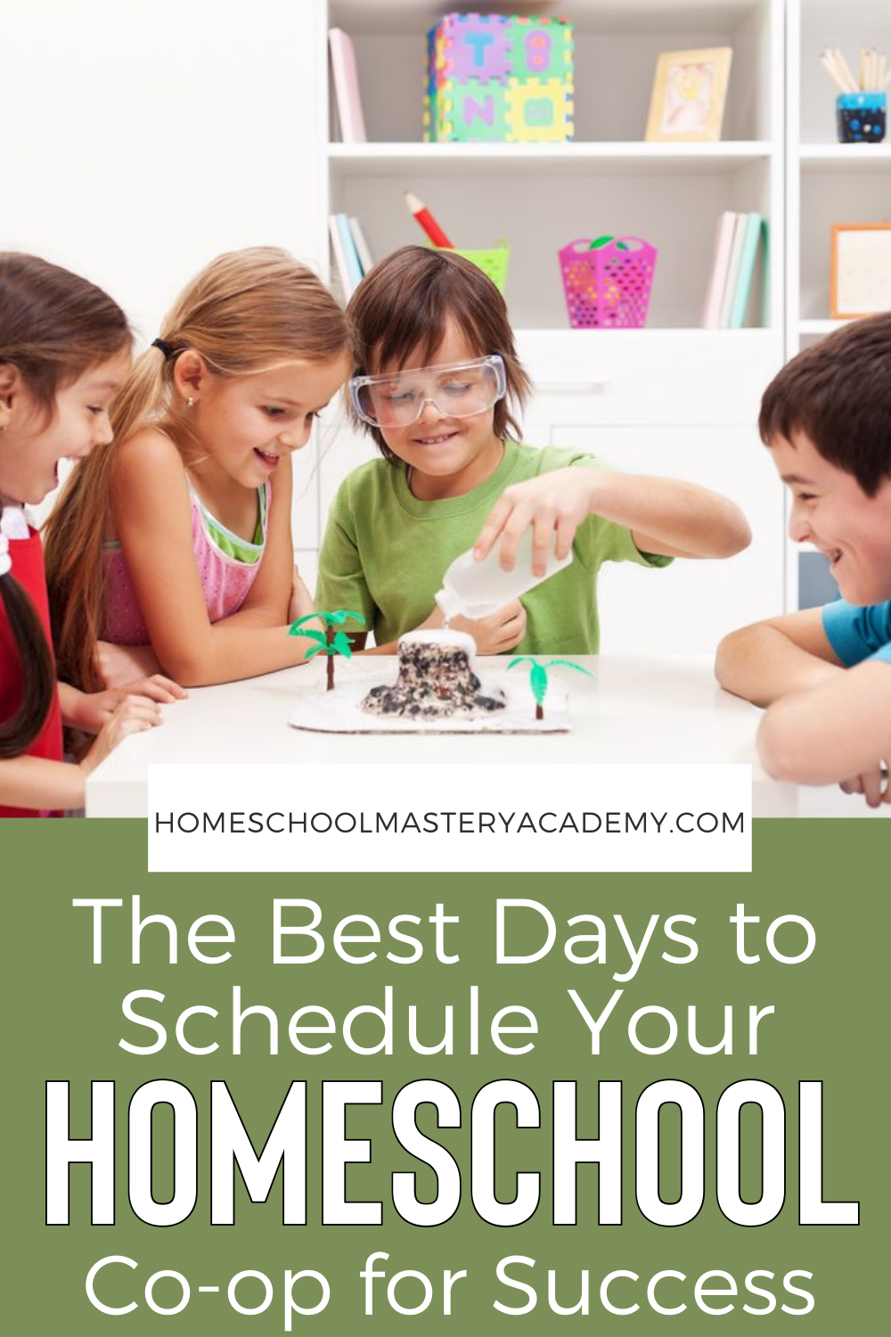 Homeschool Co-op - We give you which days are best to meet to increase attendance and all of the reasons why. #homeschoolgroup #homeschoolcoop #homeschool